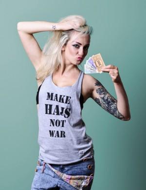 Make hajs not war SZARA